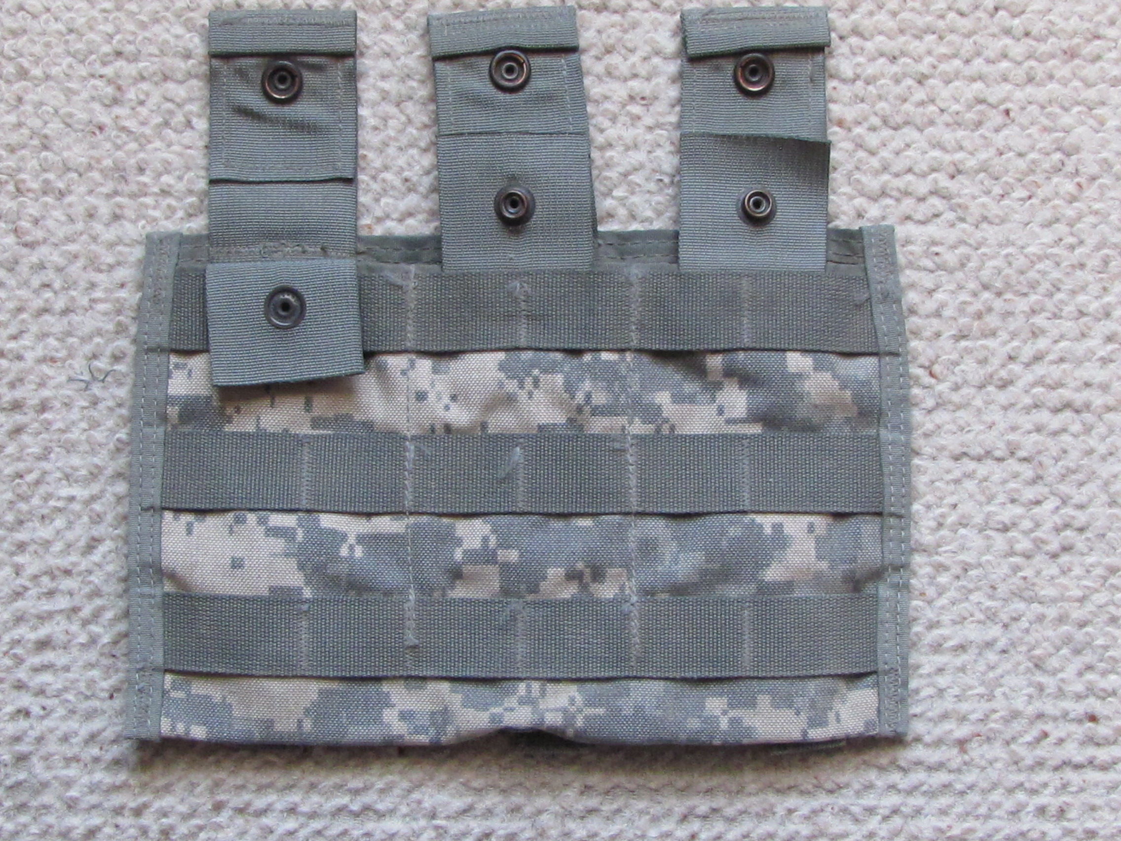 MOLLE 3 mag pouch